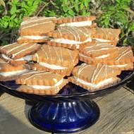 Markizy kakaowe z kremem maślanym, pyszne ciasteczka