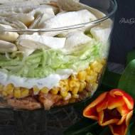 Sałatka z kurczakiem i sosem tzatziki