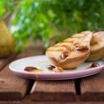 Grillowane gruszki z orzechami i migdałami