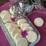 Mięciutkie biszkoptowe ciasteczka z marmoladą.
