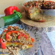 Zapiekany makaron z płaskurki z warzywami