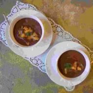 Mus czekoladowy z aquafaby z                  prażonym mango