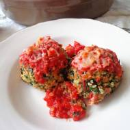 Pieczone pulpeciki z komosy ryżowej i jarmużu (Polpettine di quinoa e cavolo riccio)