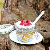 Pudding z chia z mango i malinami