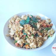 Tofu z kaszą jaglaną i miksem warzyw