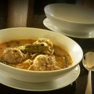 Zupa curry z klopsami z indyka