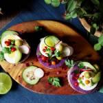 Peruwiańska causa z fioletowych ziemniaków z tuńczykiem