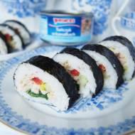 Sushi z tuńczykiem z puszki