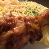 Mięso z grilla palce lizać, czyli podudzia w marynacie keczupowo-cebulowej