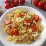 Makaron z tuńczykiem i pomidorkami (Farfalle con tonno e pomodorini)