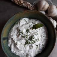 Turecki sos jogurtowy haydari