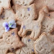 Maślane ciasteczka z fiołkami (bez laktozy)