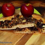 Pizza z jabłkiem i kaszanką