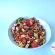 Tofu z papryką i makaronem pełnoziarnistym