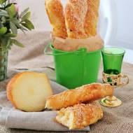 Paluchy z serem i sezamem