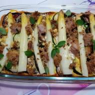 Zapiekanka bałkańska z tuńczykiem i szparagami