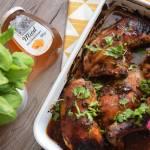 Aromatyczne ćwiartki z kurczaka w marynacie z miodem i ziołami
