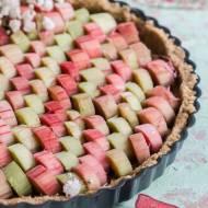 Bezglutenowa tarta z rabarbarem i kremem figowym