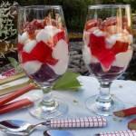 Deser z galaretkami i karmelizowanym rabarbarem