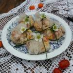 Sałatka z tuńczykiem w sakiewkach z papieru ryżowego