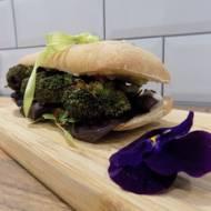 Australia - Kanapka z pieczonym brokułem i chilli majonezem (Roasted broccoli sandwich with chilli mayo)