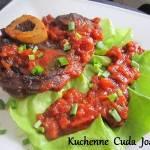 Gicz Wołowa w Sosie Pomidorowym