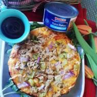Wiosenna Pizza z Tuńczykiem