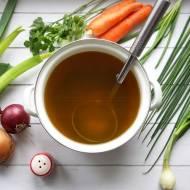 Wywar warzywny – baza do zup i sosów (dieta dr Dąbrowskiej) – przepis krok po kroku