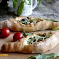 Pide - turecka pizza