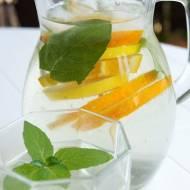Lemoniada z cytryną i pomarańczą