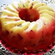 Sernik na zimno z galaretkami w formie babki