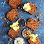 Ciasto marchewkowe z czarnym sezamem i wiórkami kokosowymi