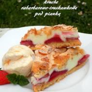 ciasto z rabarbarem, truskawkami i pianką