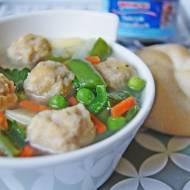 Wiosenna zupa z tuńczykowymi pulpecikami