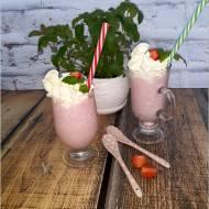 Shake truskawkowy. Deser na słoneczne dni.