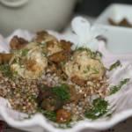 Klopsy drobiowe gotowane na parze  z kurkami