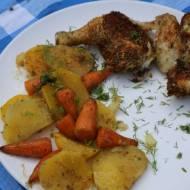 Kurczak na warzywach z piekarnika