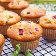 Muffinki z rabarbarem (szybkie i bardzo miękkie)
