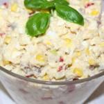 Sałatka z makreli wędzonej, papryki marynowanej i ryżu