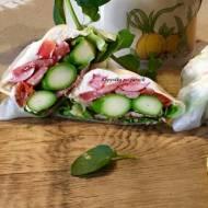 "FIT ""kanapka"" ze zielonymi szparagami"
