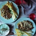 Ozorki w sosie figowo-musztardowym z białymi szparagami i puree ziemniaczanym z czerwoną quinoą