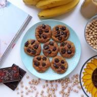 Ciasteczka z ciecierzycy, bananów i masła orzechowego – prosty przepis krok po kroku