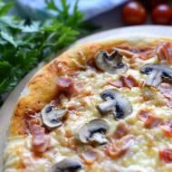 Domowa pizza na cieście dojrzewającym
