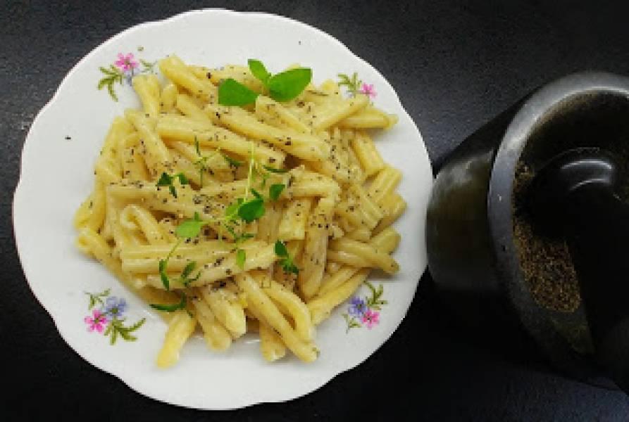 Makaron w ziołowym, ekspresowym sosie