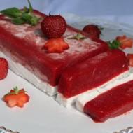 Sorbet truskawkowy w bloku lodowym