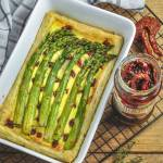 Francuska tarta serowa ze szparagami i suszonymi pomidorami