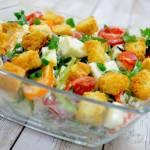Letnia sałatka z mozzarellą, pomidorami i kalarepą + film