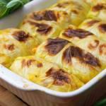 Pieczone gołąbki z ziemniakami, twarogiem i boczkiem