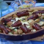 Zapiekanka z młodych ziemniaków i kiełbasy