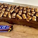 Snikers lodowy – pyszne ciasto bez pieczenia!